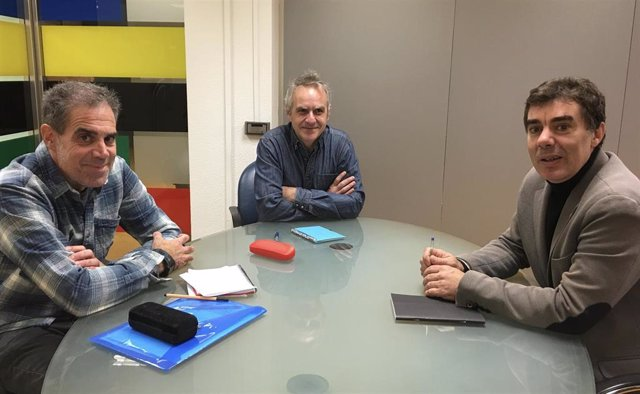 Juan Larreta, Santiago Lesmes y el consejero Eduardo Santos durante la reunión