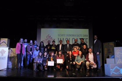 Txiribuelta y Geltoki, ganadoras de los premios Hasi Gazte