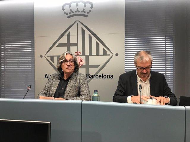 El regidor Xavier Marcé i el director de Turisme de Barcelona, Xavier Suñol