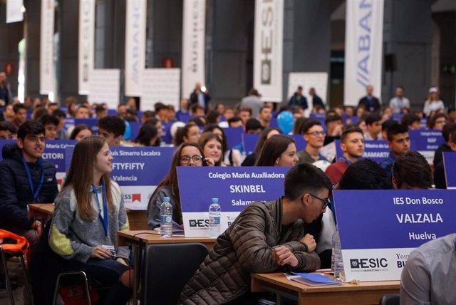 Unos 300 jóvenes canarios competirán por ser los mejores emprendedores de toda España