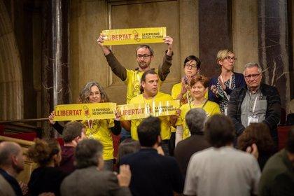 El Parlament catalán pide la libertad y archivar la causa de los CDR investigados por presunto terrorismo