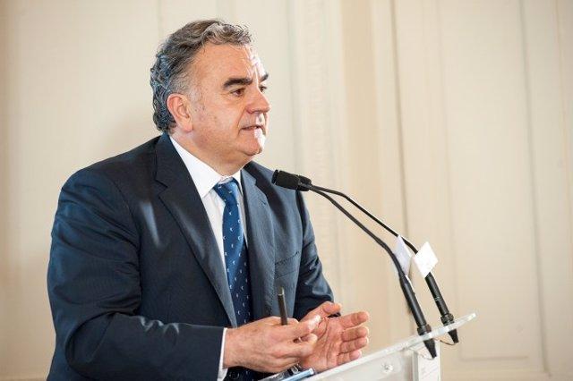 Javier Hernani, consejero delegado de BME, en un curso de economía de APIE y BBVA en la UIMP.