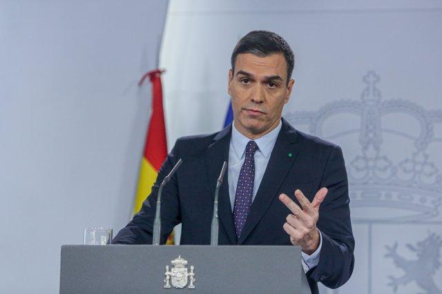 El presidente del Gobierno en funciones, Pedro Sánchez, ofrece una rueda de prensa en el palacio de La Moncloa tras su consulta con el Rey sobre su posible investidura como Presidente del Gobierno, en Madrid (España), a 11 de diciembre de 2019.