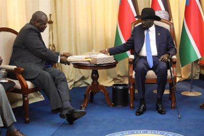 """El líder rebelde Riek Machar describe como """"bueno"""" su encuentro en Yuba con el presidente de Sudán del Sur"""