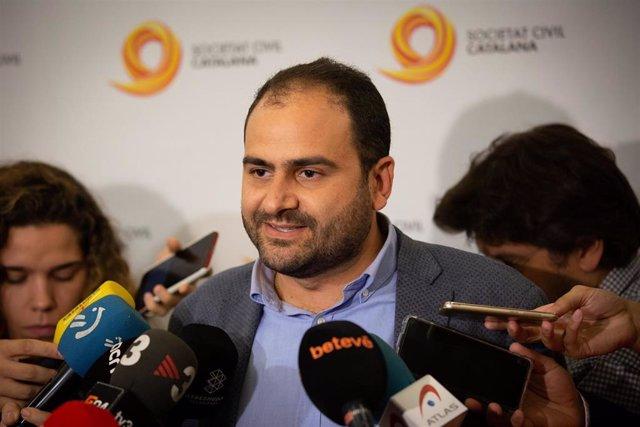 Declaraciones de Fernando Sánchez Costa (presidente de SCC) antes del acto de Societat Civil Catalana 'Rompimos el silencio'