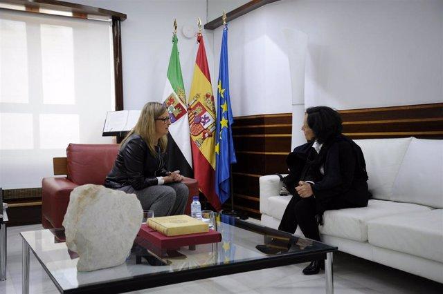 [Grupoextremadura] Np, Fotografía Y Audio Reunión Presidenta Asamblea Y Directora Ubdp Colombia