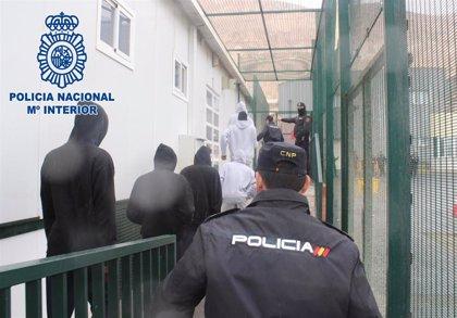 A prisión acusado de patronear un barco pesquero en Almería con 107 migrantes a bordo