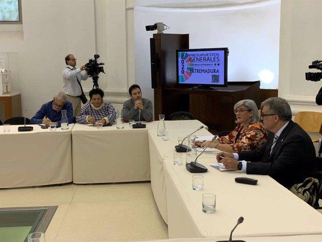 Comparecencia en la Asamblea de Extremadura de altos cargos de Sanidad y Servicios Sociales para explicar los PGEx 2020