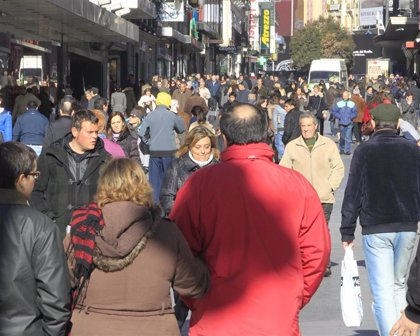 9 de cada 10 españoles han colaborado alguna vez con organizaciones no lucrativas en 2019, según un estudio