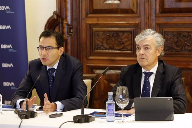 Miguel Cardoso, economista jefe para España de BBVA Research, y Carlos Gorría, director Territorial Norte de BBVA