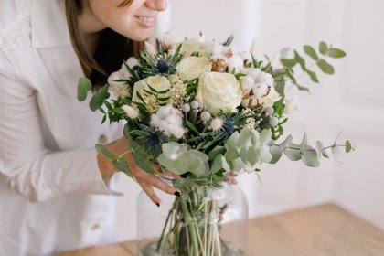 ¿Cómo decorar con flores y plantas tu casa en Navidad?