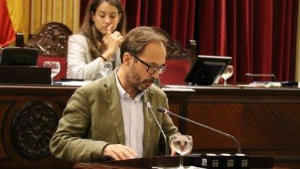 MÉS per Menorca se reafirma en la eliminación del complemento de 22.000 euros para los altos cargos que vienen de fuera