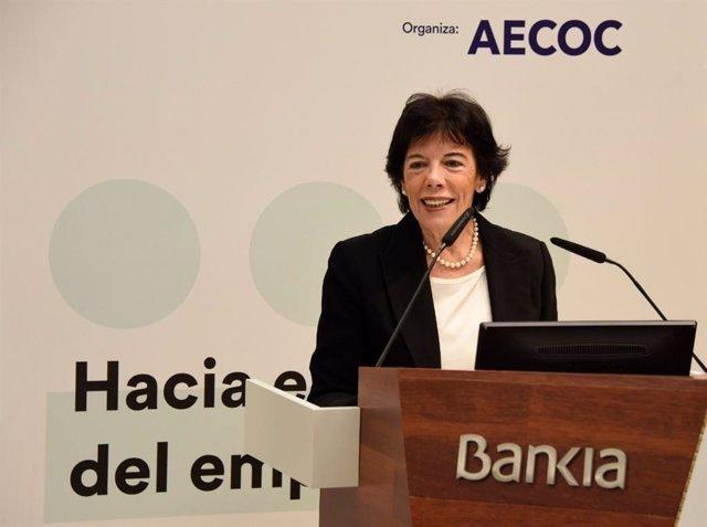 La ministra de Educación y Formación Profesional en funciones, Isabel Celaá, en la inauguración de la jornada de empleabilidad de la Asociación de Fabricantes y Distribuidores (AECOC),