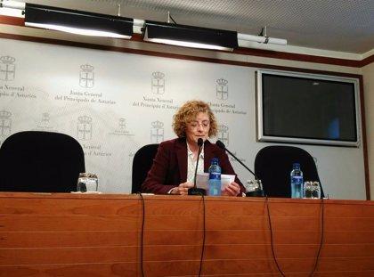Vallina (IU) acusa a García (PP) de propugnar el modelo de mujer de la Sección Femenina y de Vox