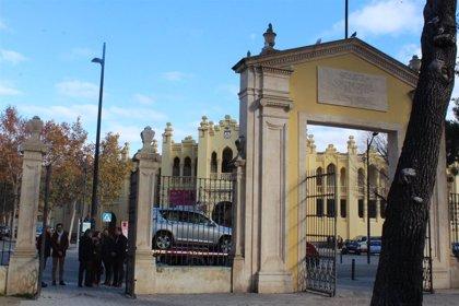 La réplica de la Puerta de Hierros incorporará los dinteles de la original