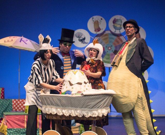 La compañía malagueña Acuario Teatro celebra su 40 aniversario con la obra 'El inspector Drilo', detective de emociones