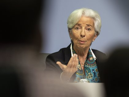 """Lagarde (BCE) aprecia signos de """"estabilización"""" en la economía de la eurozona"""