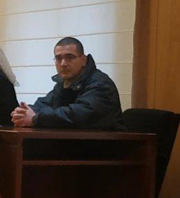 El acusado de asesinar a su madre con barbitúricos asiste a la primera jornada del juicio en la Audiencia de Valladolid.