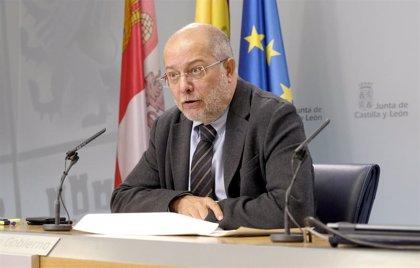 Junta retirará a agentes sociales de la elaboración de bases de programas de formación