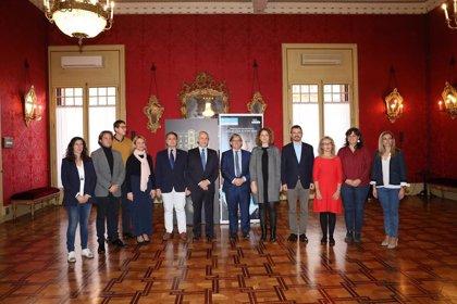 Un total de 65 alumnos de Baleares ejercen de diputados por un día en el Parlament