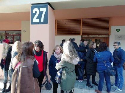 """Trabajadores de Faisem en Sevilla se concentran contra """"el incremento de agresiones"""" y """"deterioro"""" de sus condiciones"""