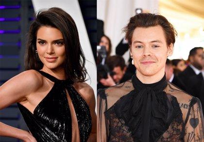Harry Styles come un escorpión y esperma de bacalao para no desvelar sus mayores secretos a Kendall Jenner