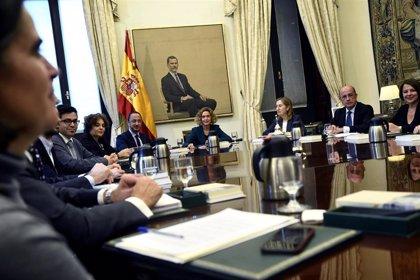 PSOE y Podemos tumbarán en la Mesa del Congreso los recursos de PP, Vox y Cs contra los acatamientos de la Constitución