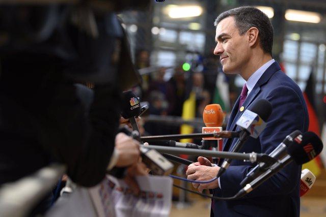 Pedro Sánchez atiende a los periodistas durante el Consejo Europeo que se celebra en Bruselas