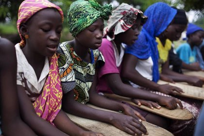 Un tribunal regional anula la decisión de Sierra Leona de prohibir ir al colegio a jóvenes embarazadas