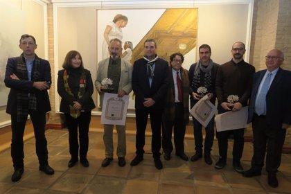 Antonio Maya recoge su galardón como ganador del XXXIII Premio de Pintura 'Emilio Ollero' del IEG