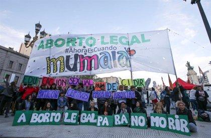 El Gobierno de Argentina presenta un nuevo protocolo de actuación para despenalizar casos de aborto