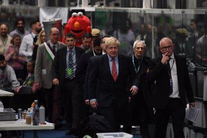 """Johnson retiene su escaño y aplaude la tendencia al alza de los 'tories': """"Será un nuevo mandato para lograr el Brexit"""""""