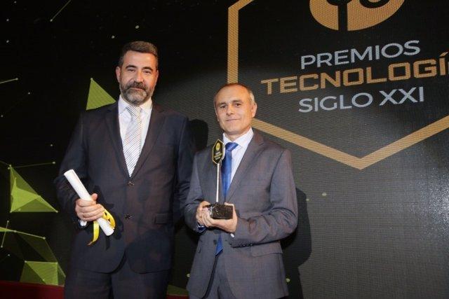 El CEO de Einzelnet, José Gil (izquierda), junto a  David Quirós (derecha), director de Desarrollo de Negocio de Einzelnet