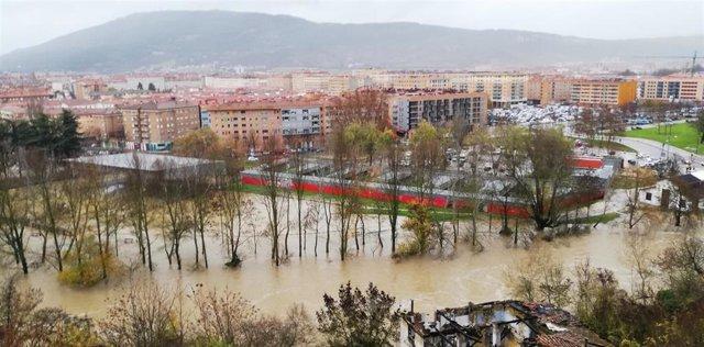 Imagen del río en la zona de la Rochapea.