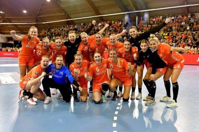 Selección femenina de balonmano de Holanda durante el Mundial de Japón