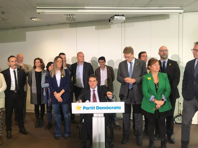 El president del PDeCAT, David Bonvehí, amb els membres de la direcció del partit.