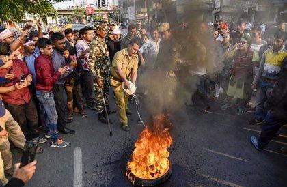 """España recomienda """"especial precaución"""" en los viajes al noreste de India por las protestas"""