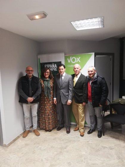 Vox Ciudad Real presenta la nueva gestora del partido ante cerca de un centenar de afiliados de la provincia