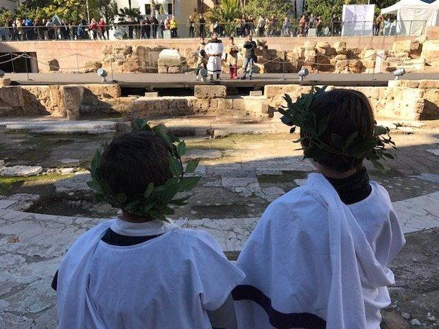 Niños en uno de los talleres que se realizarán en el Teatro Romano de Málaga