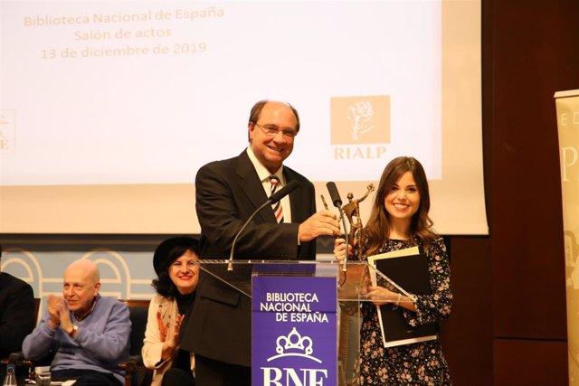 La ganadora del Premio Adonáis 2019 de poesía, María Elena Higueruelo