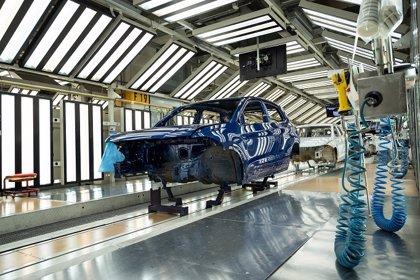 Volkswagen Navarra pospone implementar la Mutua y el comité de empresa desconvocará el lunes la huelga