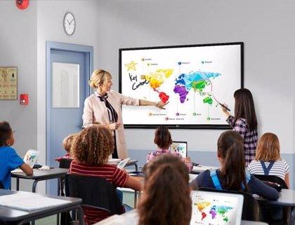 LG presenta su nueva pantalla digital interactiva que facilita la comunicación bidireccional y dinámica en tiempo real