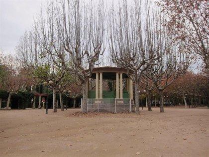El viento obliga a cerrar el Parque Miguel Servet de Huesca