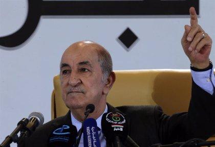 """El presidente electo de Argelia tiende la mano a los manifestantes para iniciar un diálogo """"serio"""""""