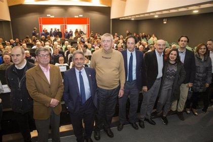 Revilla inaugura el nuevo auditorio municipal de Ajo y anuncia la residencia de mayores