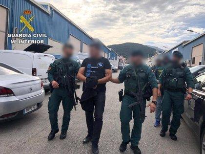 """La Guardia Civil detiene a 'El Señor del Puerto', uno de los """"referentes"""" del narcotráfico en Algeciras (Cádiz)"""