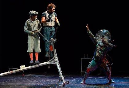 La compañía vasca Gorakada Teatro representa el espectáculo infantil 'El viaje de Ulises' este domingo en Mérida