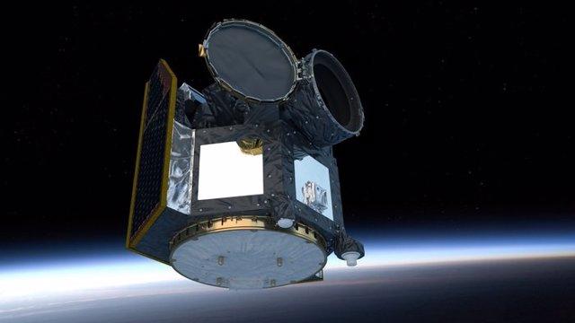 Impresión artística del satélite Cheops en órbita sobre la Tierra