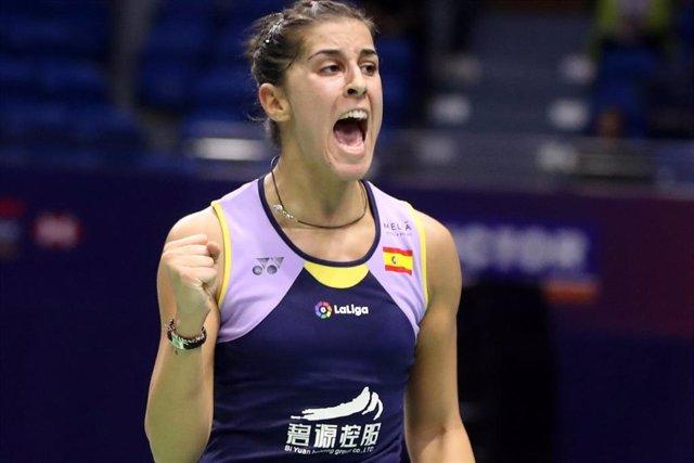 Carolina Marín celebra un punto a su favor.