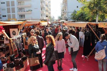 Santa Eulària celebra su Feria de Navidad con 30 paradas artesanas y con premios a los mejores escaparates